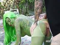 Tattoed Girl In Green Body Paint Gets Rammed