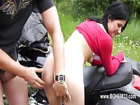 Hot outdoor sex for a horny brunette