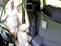 Horny passenger spreads her legs for the lucky driver